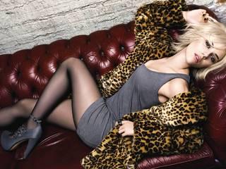 Promis Scarlett Johansson.